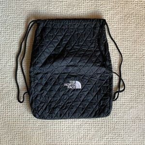 North Face Quilted Drawstring Bag Black!